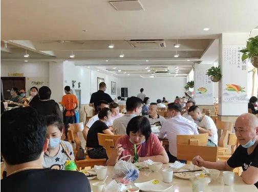 婚宴酒店爆满、早茶消费成新宠……今年五一假期江苏餐饮市场消费超火爆