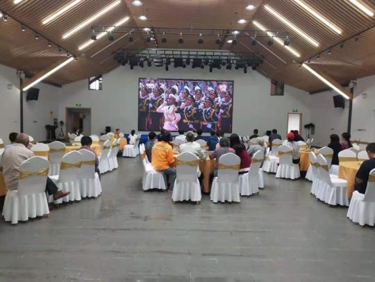 江宁区张溪社区组织观看国庆阅兵仪式