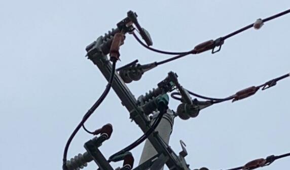 工人拉错电闸 近20家工厂停电2小时