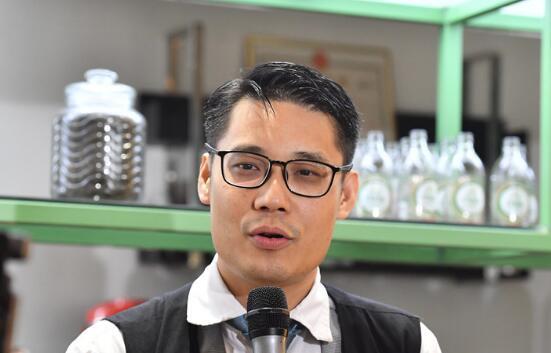 香港青年科学家潘洪辉:因为父亲的这句话 我决定回来