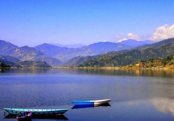 去尼泊尔旅游,遇到搭讪的人不要理,他们一见到中国游客说3个字