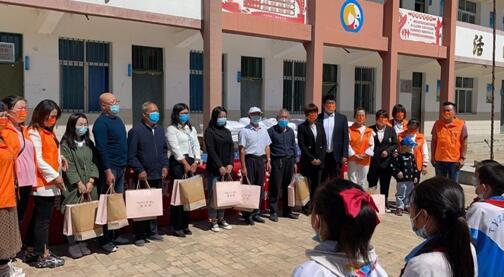 金盛集团教师节公益活动圆满结束